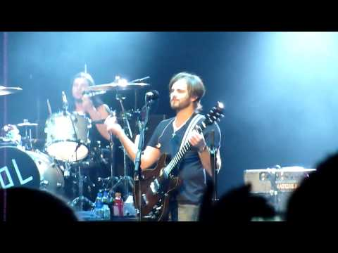 "Kings of Leon ""I want you"" LIVE in Kansas City, Missouri"