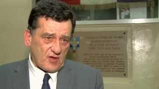 Hommage : les habitants de Saint-Cyr-l'Ecole ensemble face à aux attentats