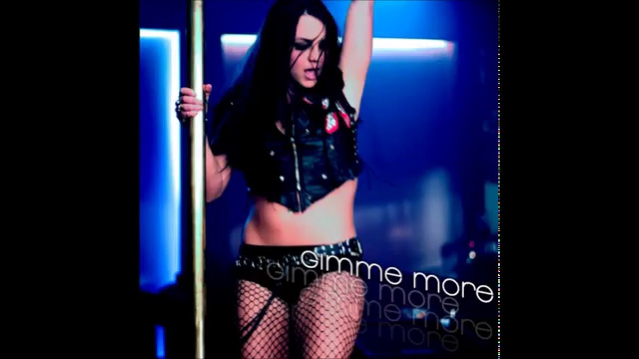 Gimme more topless video — photo 11