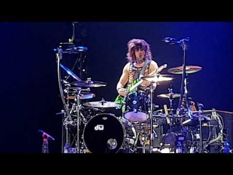 Steel Panther Live Satchel Epic Guitar Solo - Birmingham 19/10/2016
