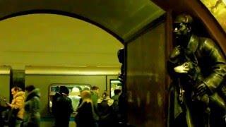 "Легенды станции метро ""Площадь Революции"""