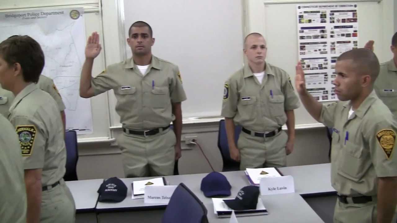 30 Recruits Begin Police Training