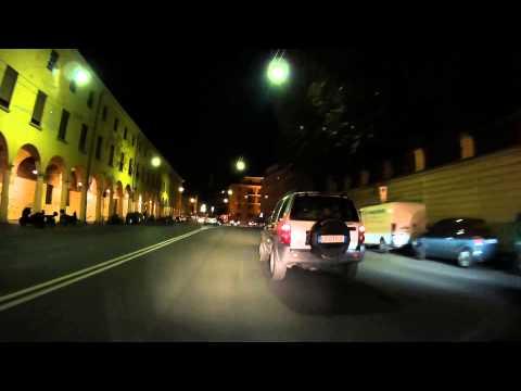 Road Tripz - Scooter - Bologna PIAZZA MAGGIORE