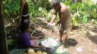 Umu - tradiční příprava jídla | Traditional umu, Kaleveleve on Futuna island