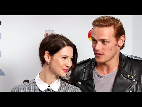 Outlander Land Con 3 2019 | Signature d'Autographe de Caitriona & Sam from YouTube · Duration:  35 seconds
