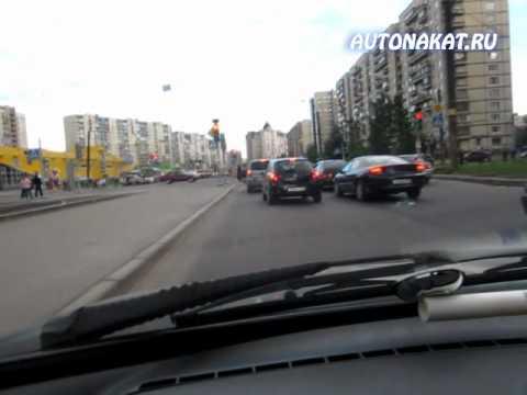 Левый поворот на регулируемом перекрестке
