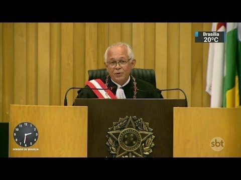 Novo presidente do Superior Tribunal do Trabalho toma posse   SBT Notícias (27/02/18)