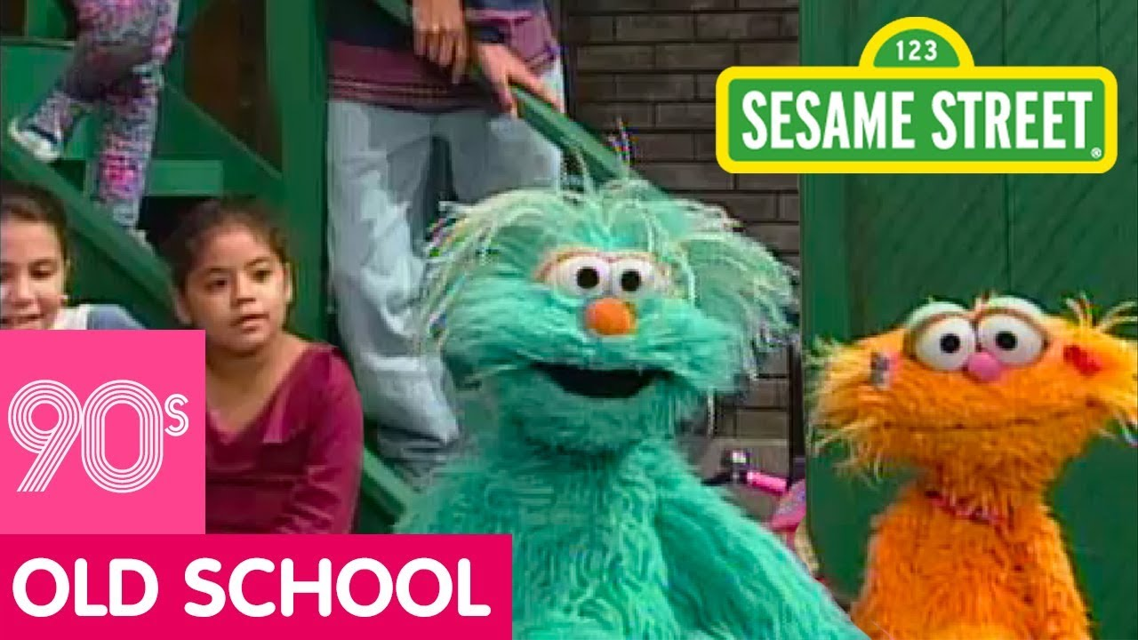 Sesame Street: Everybody Say Hola Song with Rosita and Zoe ...