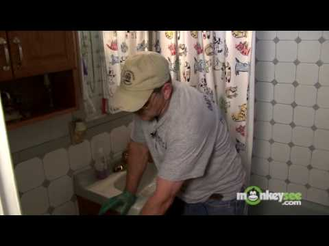 plumbing basics unclogging a toilet using a plunger youtube. Black Bedroom Furniture Sets. Home Design Ideas