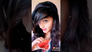 "Beautiful girl acting on a sing ""kah do tujhe"""
