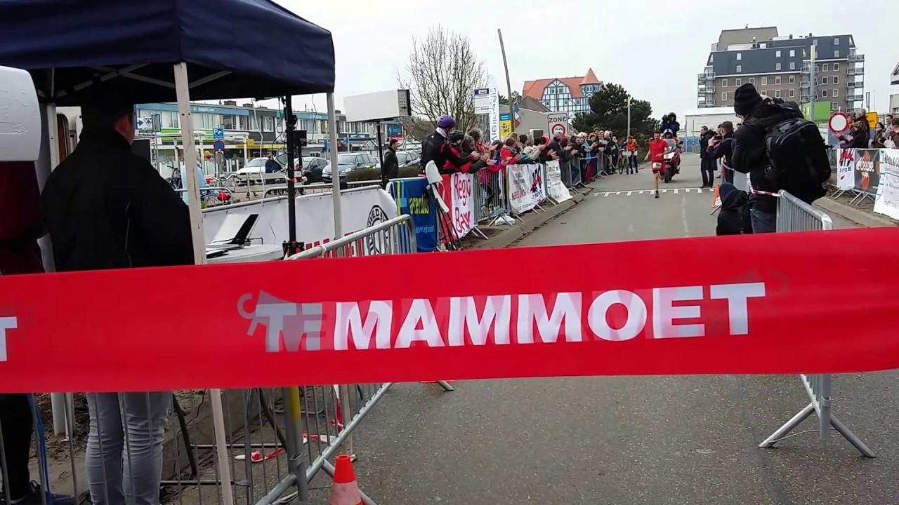 Pleijte Wint Halve Marathon In Cadzand Youtube
