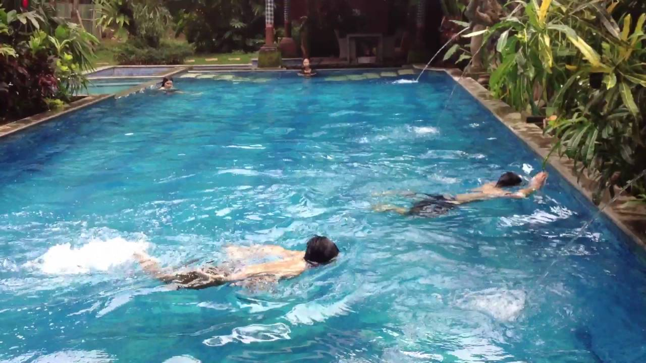 Dna Berenang Di Hotel Ubud Malang Funnyvideo Cut In Camera Youtube
