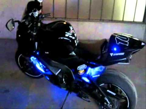 Suzuki GsxR 1000 k7 LED Tuning   YouTube