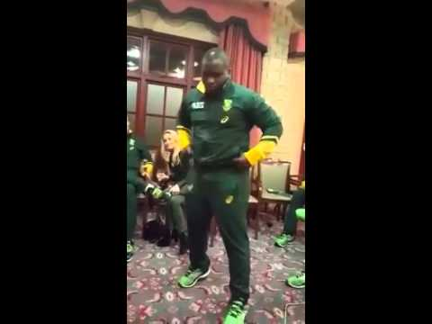 Trevor Nyakane does the Dan Biggar Dance