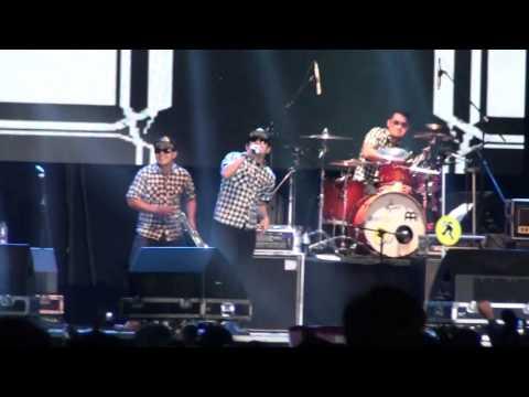 tipe-X Live 2016 (PROJAM FEST) Alun alun BOYOLALI