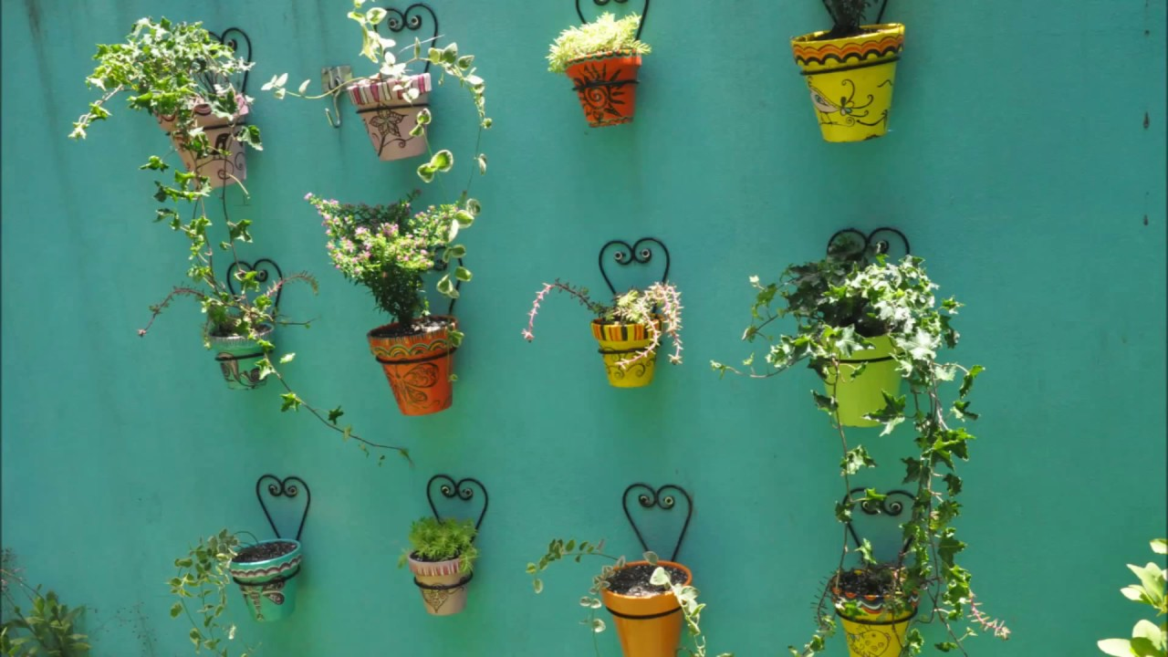 Pared con macetas youtube for Vestir una pared con plantas