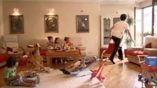 Repeat youtube video Doni - Ushqen femijet Muzikli Stilin kshtu e kam