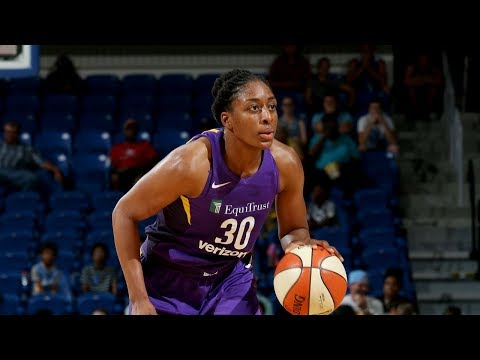 Nneka Ogwumike (20 PTS, 11 REB) Leads Sparks To Victory
