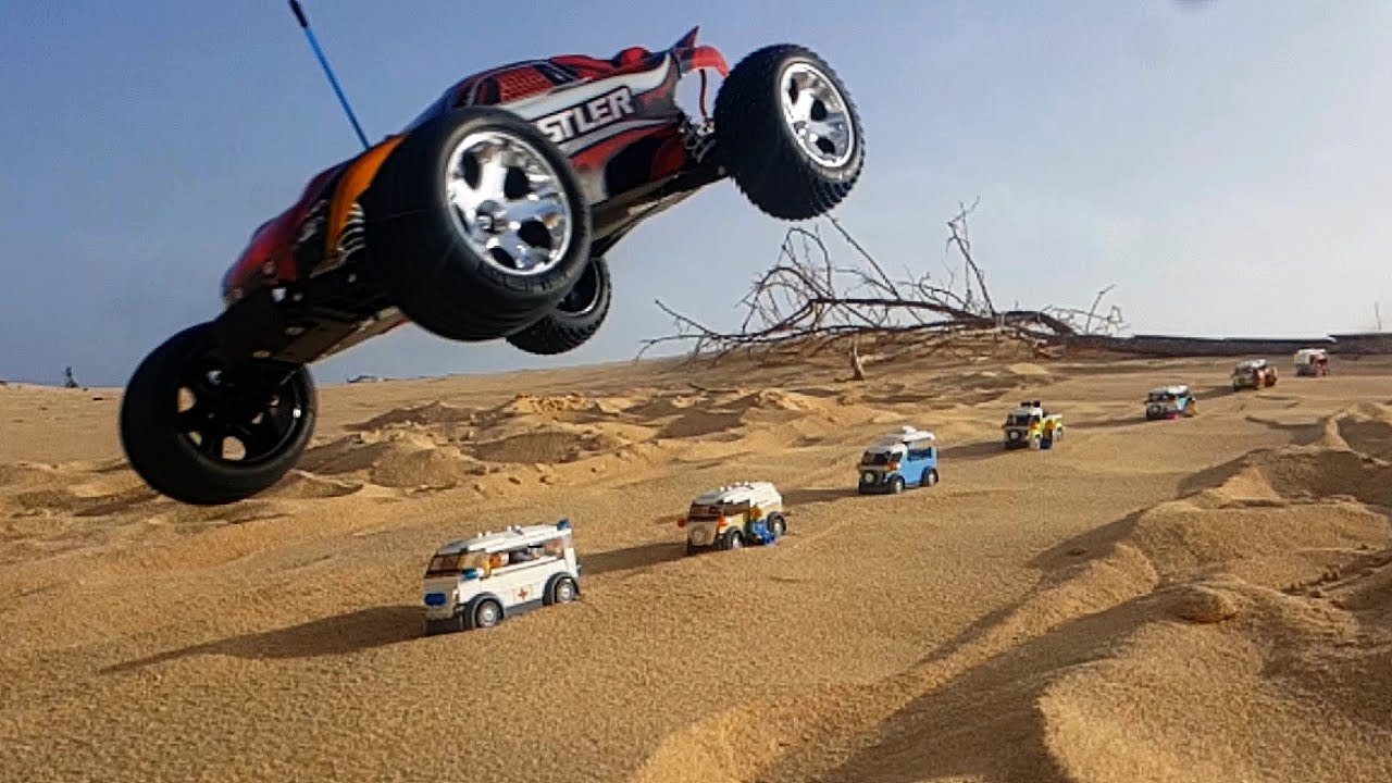 rc car jumping over lego volkswagen t1 cars youtube. Black Bedroom Furniture Sets. Home Design Ideas