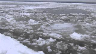 Рыбалка на хариуса по кромке льда 17 января 2014 (серия 10) Рыбалка ловля хариуса.
