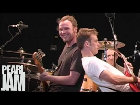 Down - Live At The Garden - Pearl Jam
