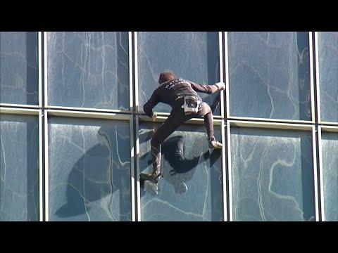 Mit bloßen Händen: Spinnenmann in Paris nicht zu stoppen