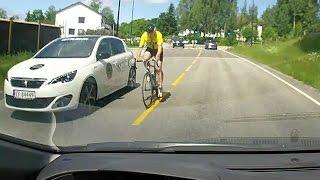 Syklist gjør forbikjøring med motgående trafikk - Jessheim, Akershus