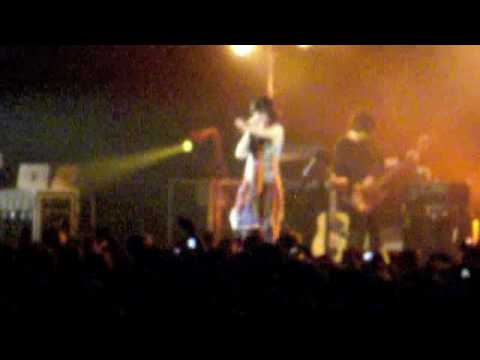 Heads Will Roll Yeah Yeah Yeahs live at Hordern Pavilion 8.01.10