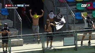 Hinchas de Colo Colo ingresan al estadio e interrumpen partido entre La Calera e Iquique