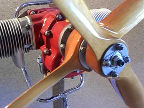 McCulloch WWII Two Stroke, Two Cylinders Target Drone Engine Contra rotating propellers