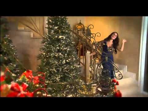 Dulce Maria y Chino y Nacho - Comercial De Navidad (UNIVISION - Miami)
