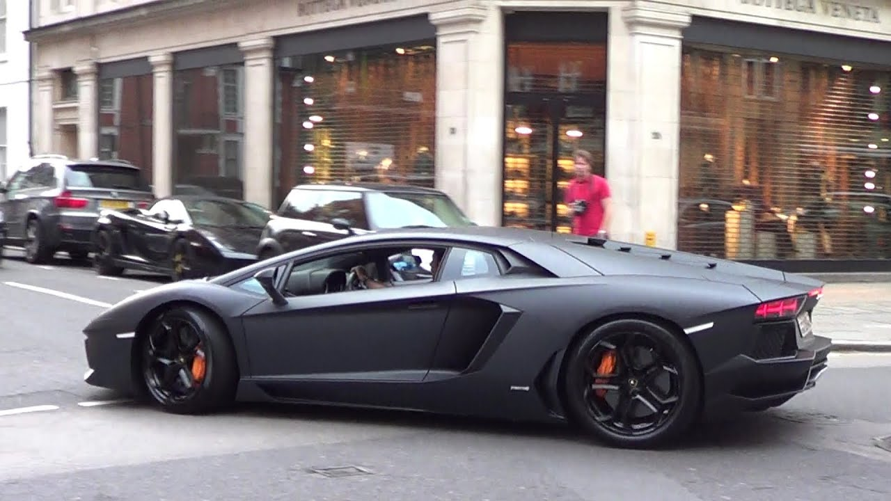 loud arab matte black aventador from millionaire boy. Black Bedroom Furniture Sets. Home Design Ideas