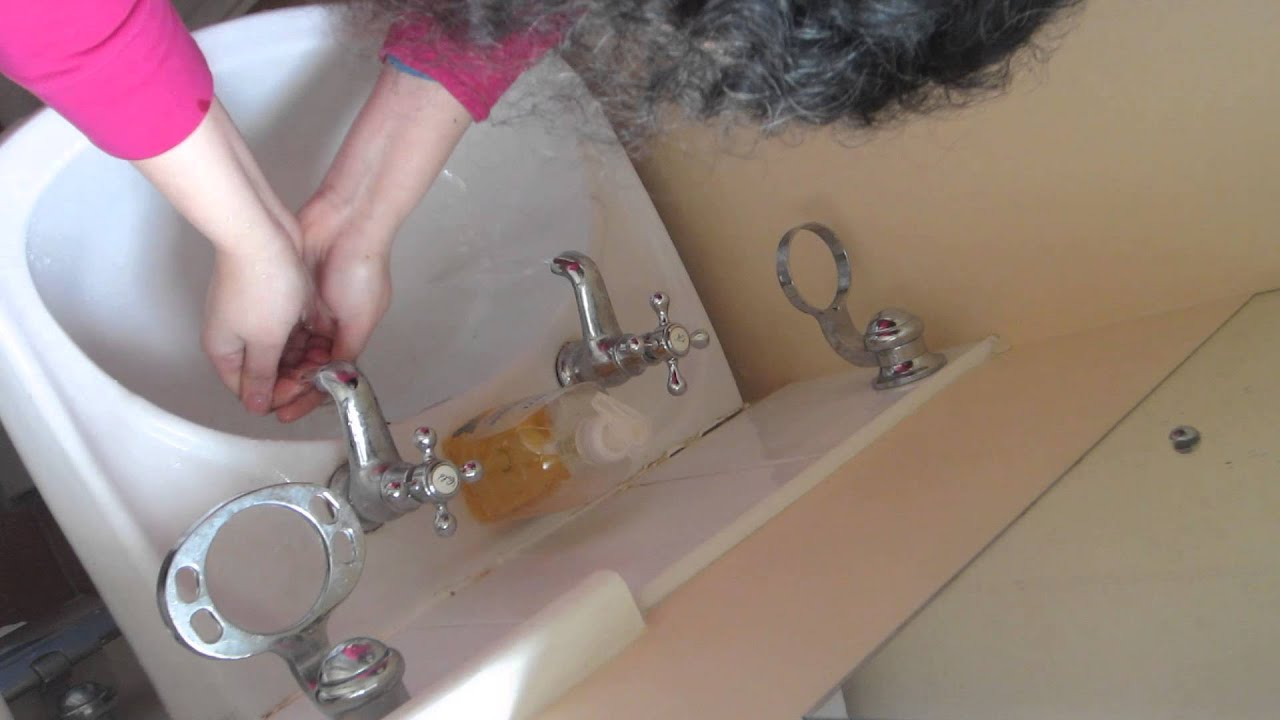 How to wash your face with two taps on a British sink / Basin - YouTube
