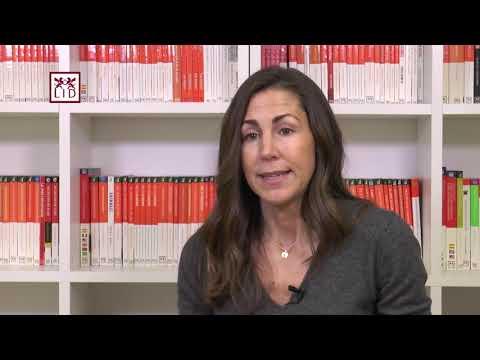 Raquel Roca presenta su último libro 'Silver Surfers'