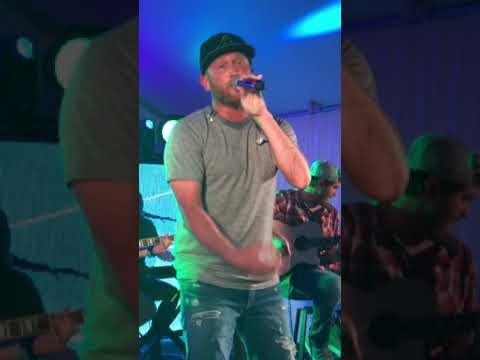 Cole Swindell -shutting it down live performance