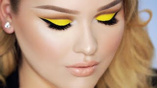 MINIONS Yellow Cut Crease Makeup with Nude Lips