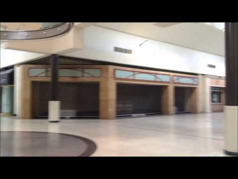Crestwood Mall Closed