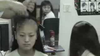 Repeat youtube video Two girls shave their long hair to bald together