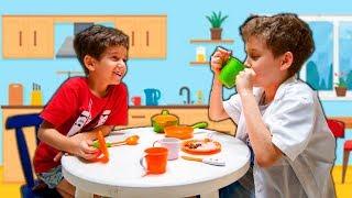 Toquinho Virou Baba por 1 Dia do Paulinho - Kids Pretend To Play Nanny
