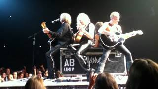 Def Leppard - Have You Ever Needed Someone So Bad MONTREAL 2012