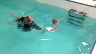 Лучший инструктор-Обучение плаванию в бассейне в Минске для детей (Курсы,Секция,занятия)