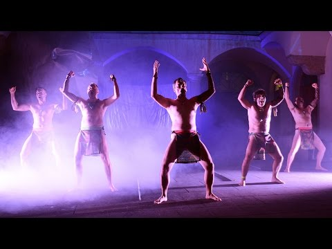 Monadria Polygamica - Maorové - Haka tanec / Māori people - Haka Dance