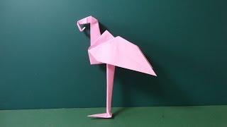 フラミンゴの折り方です。立ちそうで立ちません。絶対立ちません。It is...