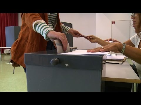Merkel braces for populist gains in Berlin elections
