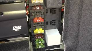 Mercedes Benz w211 e500 Fuel Pump Relay and Fuse Location