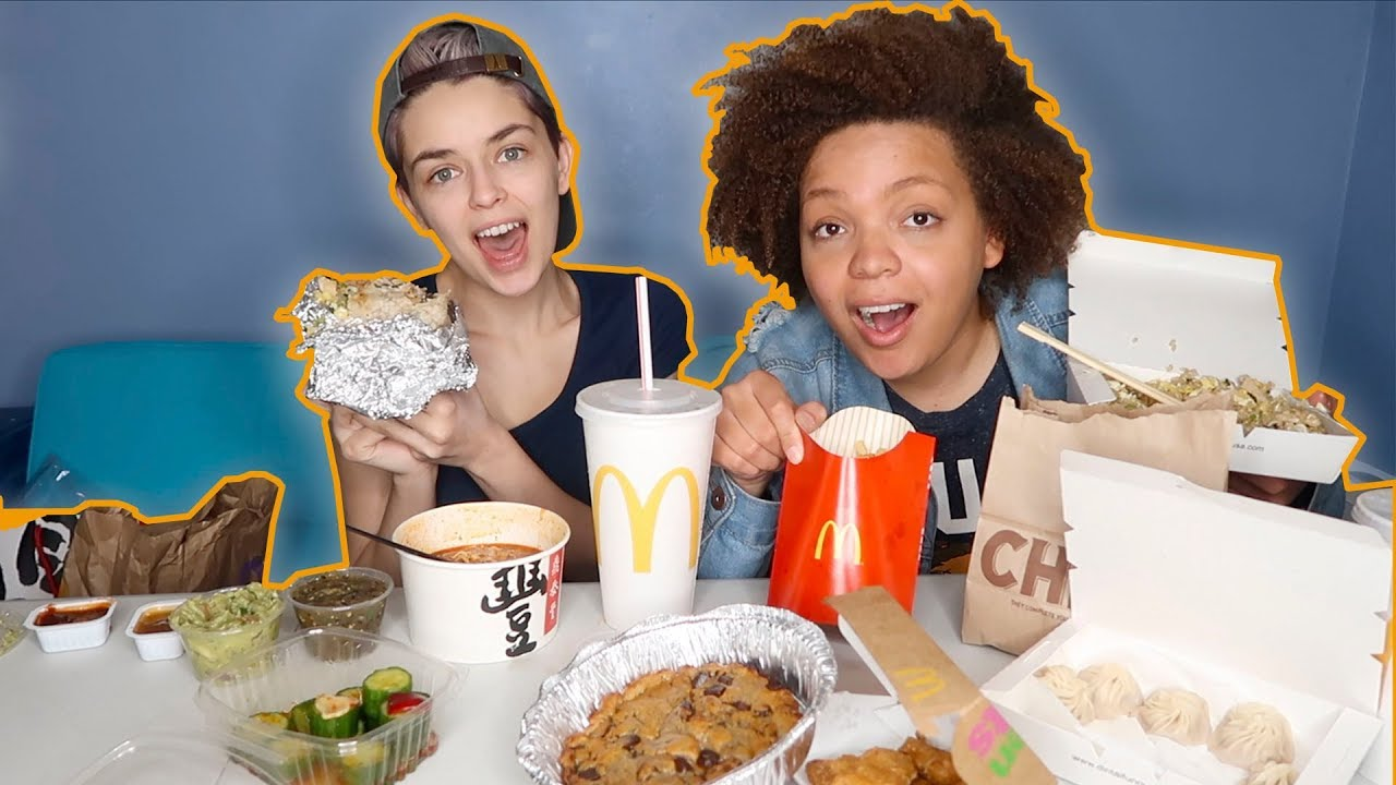 LESBIAN COUPLE MUKBANG! - Our first date, bullying + our high school  experience