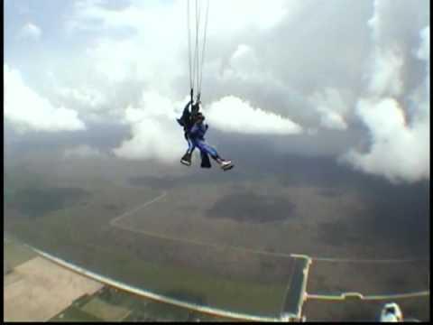 Corine Barnes Sky diving