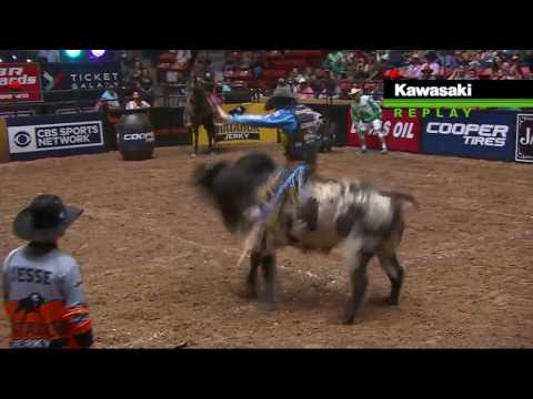 J.W. Harris rides Chute Boss for 86.25 points