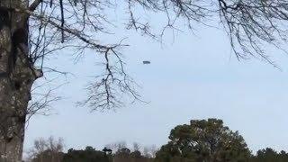 Fliegender Teppich mit Autopilot über Conyers, Georgia