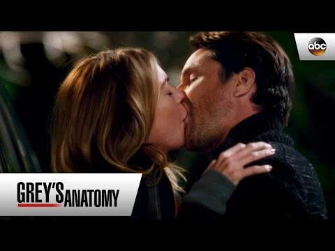 Meredith Grey Kisses Owen Riggs  Grey's Anatomy 12x23